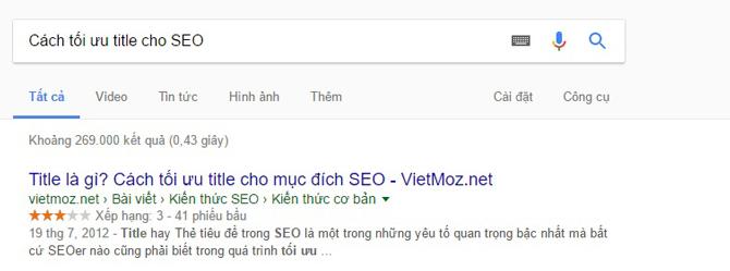 Tiêu đề hiển thị với liên kết màu xanh trên trang tìm kiếm